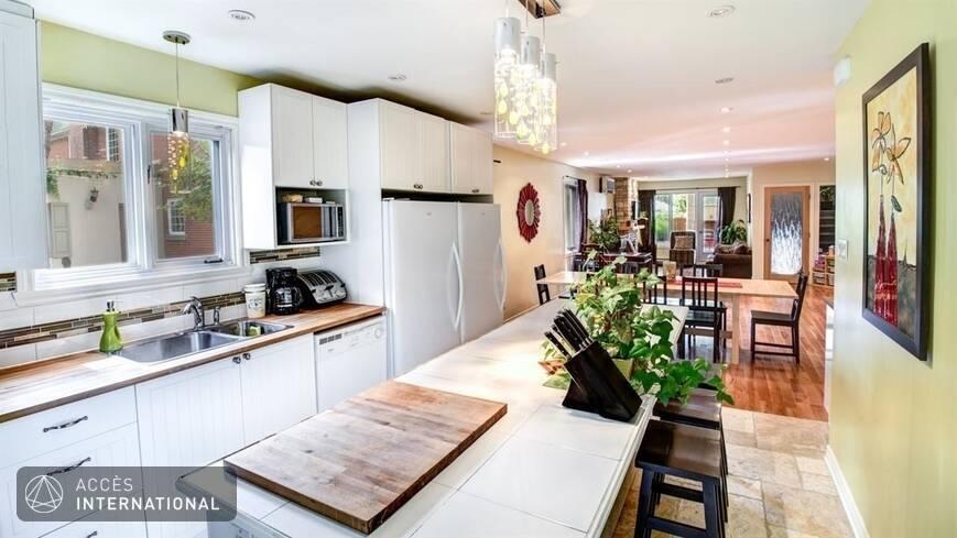Beau cottage louer compl tement meubl et quip dans le for Meuble tanguay montreal