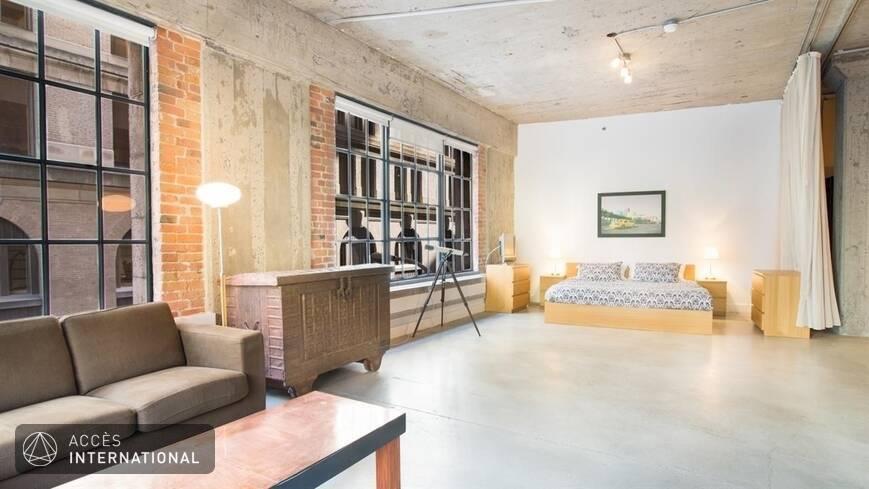 Loft louer enti rement meubl et quip dans le quartier for Location de meuble montreal