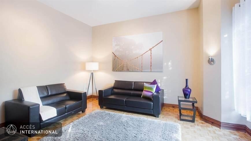appartement spacieux louer meubl et quip au centre ville de montr al milton park. Black Bedroom Furniture Sets. Home Design Ideas
