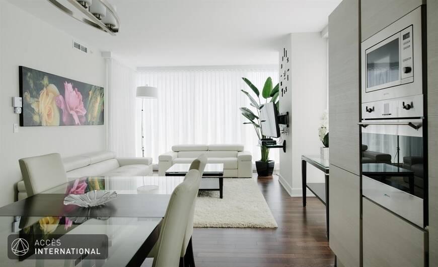 le rocabella vous offre un superbe condo compl tement meubl louer au c ur du centre ville de. Black Bedroom Furniture Sets. Home Design Ideas