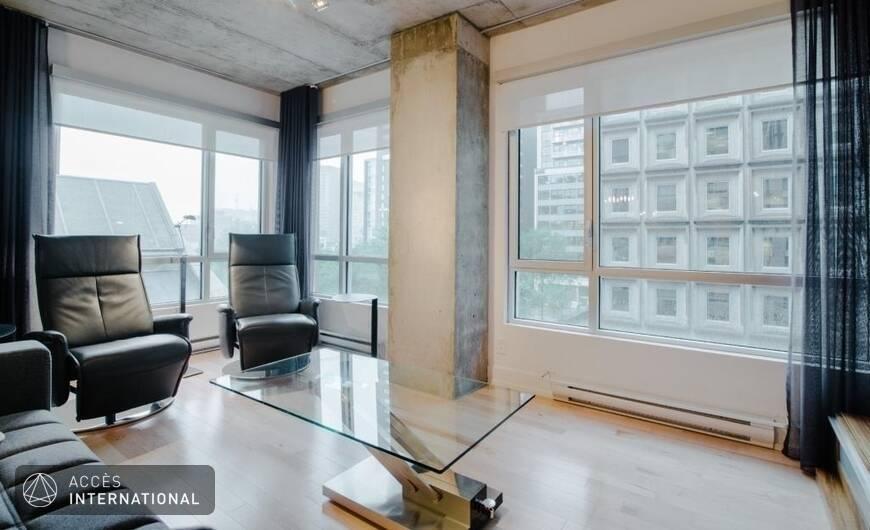 condo moderne compl tement meubl et quip louer au centre ville de montr al. Black Bedroom Furniture Sets. Home Design Ideas