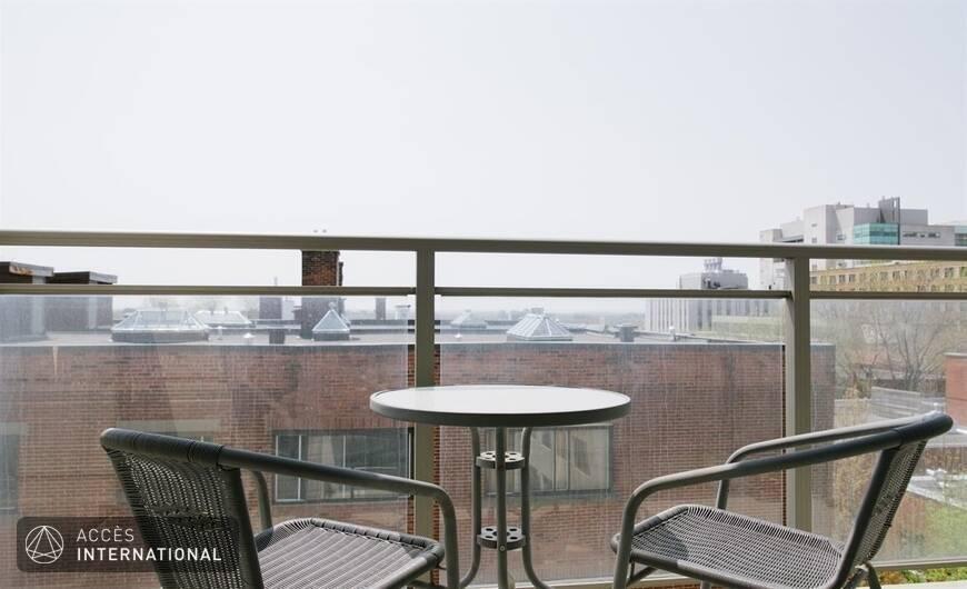 Appartement meubl louer dans le quartier c te des for Louer meuble montreal