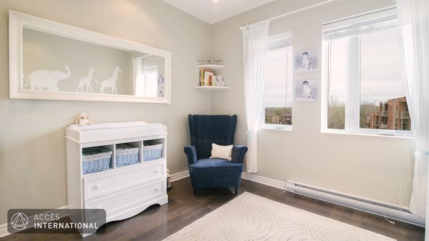 Bel appartement moderne enti rement meubl louer laval for Chambre a louer laval