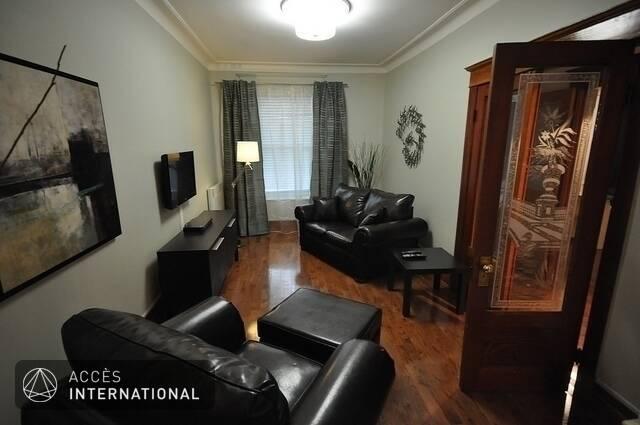 appartement enti rement meubl et quip louer situ e au coeur du plateau mont royal. Black Bedroom Furniture Sets. Home Design Ideas