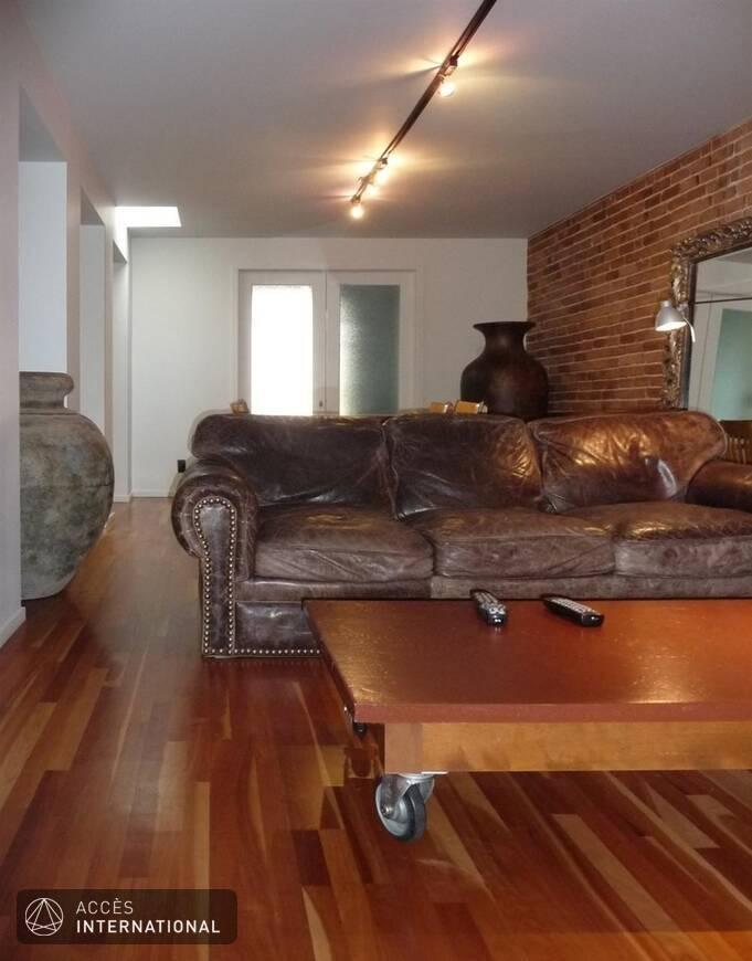 propri t louer enti rement meubl e et quip e situ e sur le plateau mont royal. Black Bedroom Furniture Sets. Home Design Ideas