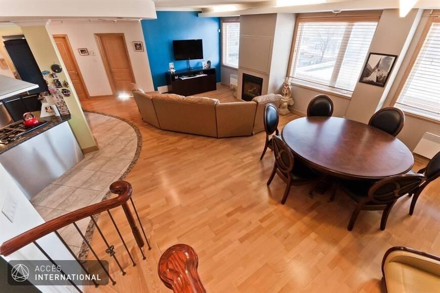 penthouse de luxe louer compl tement meubl et quip dans la petite italie montr al. Black Bedroom Furniture Sets. Home Design Ideas