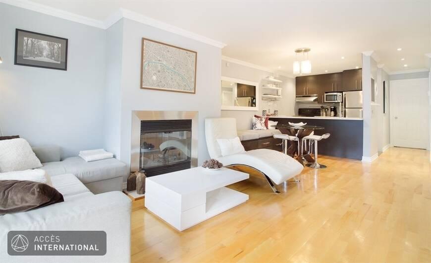 bel appartement meubl avec deux chambres au plateau mont royal. Black Bedroom Furniture Sets. Home Design Ideas