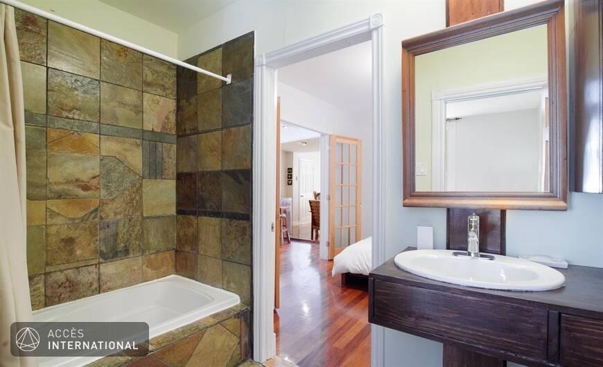 Joli appartement meubl louer au plateau mont royal for Meuble 5000 montreal