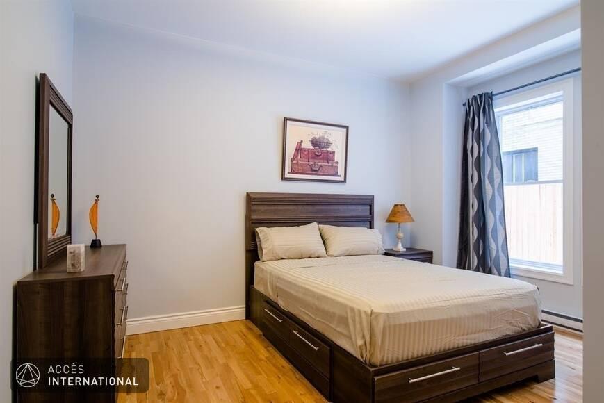 Appartement meubl et quip montr al dans le quartier for Meuble 5000 montreal