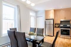 Appartment fully furnished and equipped in Montreal's Plateau area.