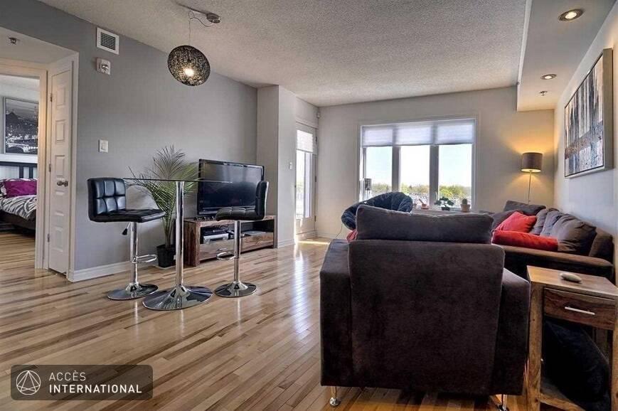 appartement meubl louer montr al. Black Bedroom Furniture Sets. Home Design Ideas