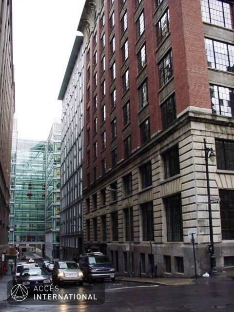 Condominium de style loft louer vieux montr al montr al for Location appartement meuble montreal
