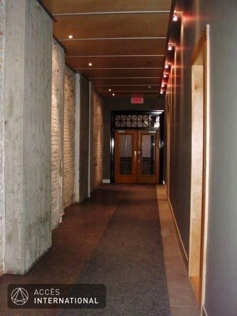 Condominium de style loft louer vieux montr al montr al for Location meuble montreal