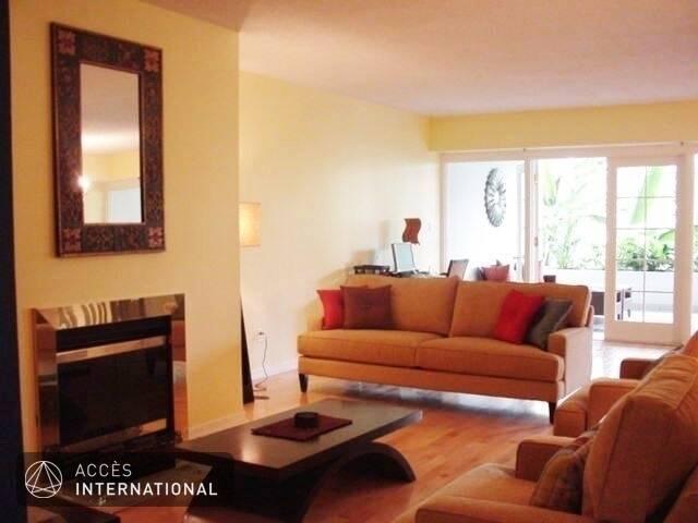 Condo de luxe vieux montr al condominium meubl louer for Meuble 5000 montreal