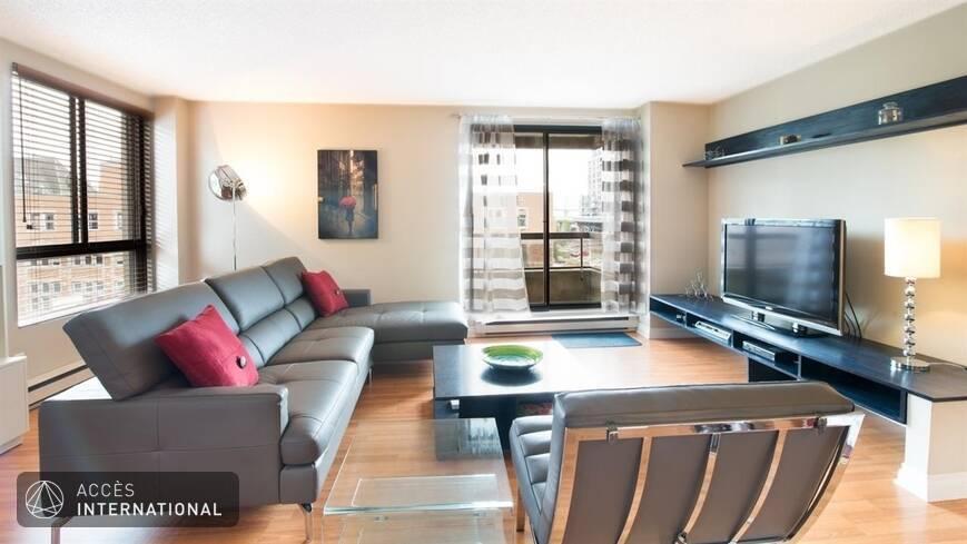 Condominium meubl et quip louer vieux montr al for Meuble a louer montreal