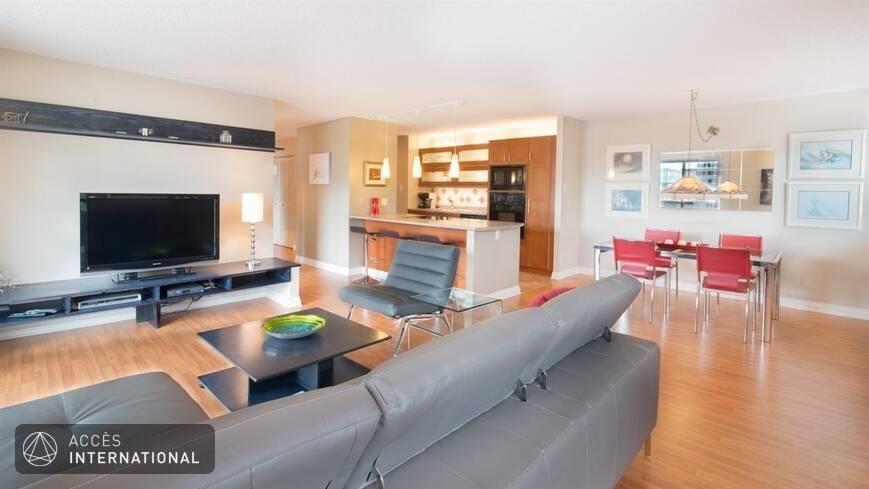 condominium meubl et quip louer vieux montr al. Black Bedroom Furniture Sets. Home Design Ideas