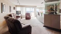 Furnished and equipped luxurious penthouse for rent on two floors in Montcalm district in Quebec City.