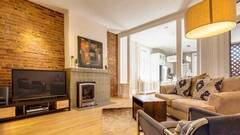 Condo for rent furnished and equipped near Cartier street in the Montcalm district of Quebec City.