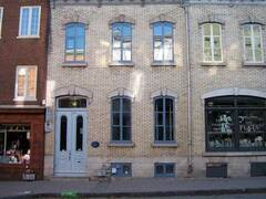 Spacious historic house on 3 levels for rent on St-Jean Street, Old Quebec