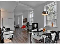 Urban and modern Loft for rent furnished and equipped in Québec