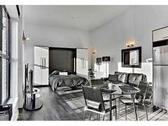 Urban loft apartment, modern fully furnished and equipped for rent 2 steps from Old Quebec