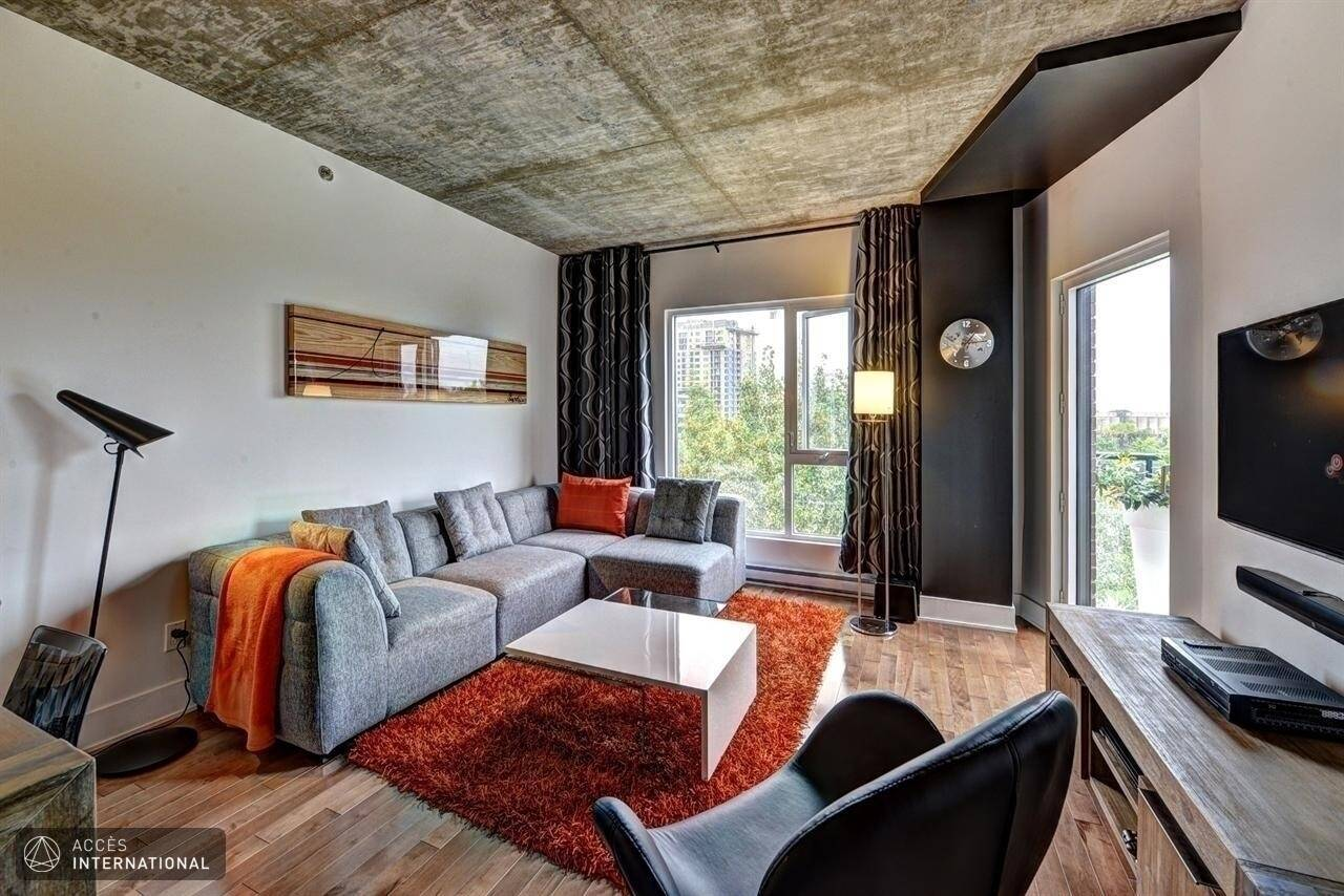 Furnished Apartment For Rent In Montreal In The Area Of