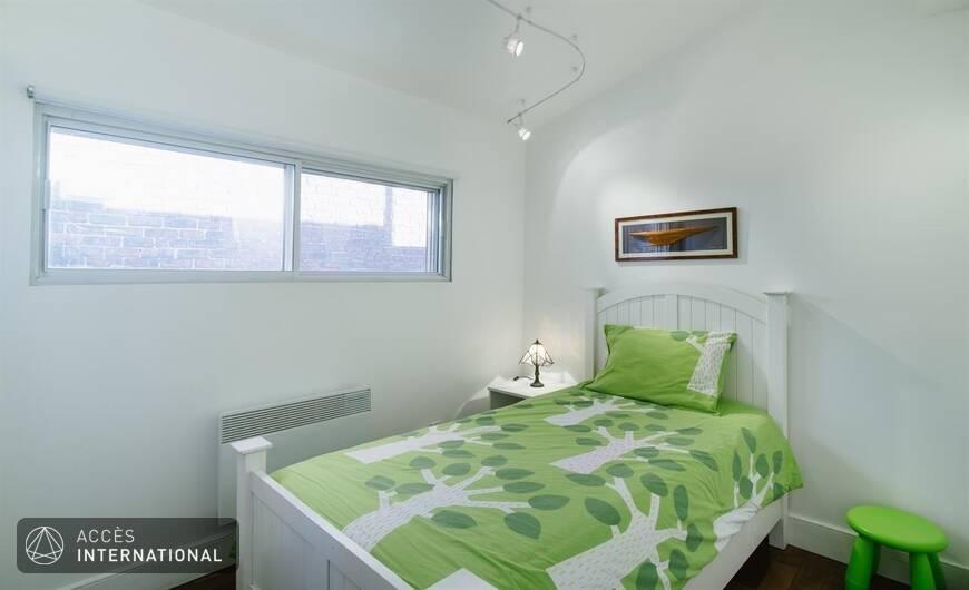 VERDUN  3 bedrooms apartment   terrace  parking Bordeaux France