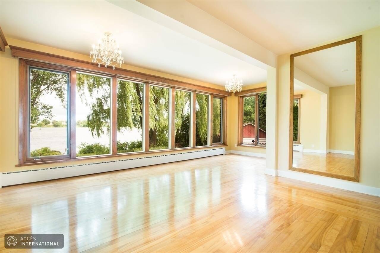 Magnifique maison à louer à Montreal, 3 chambres au bord de l'eau à Rivière des Prairies - Accès ...